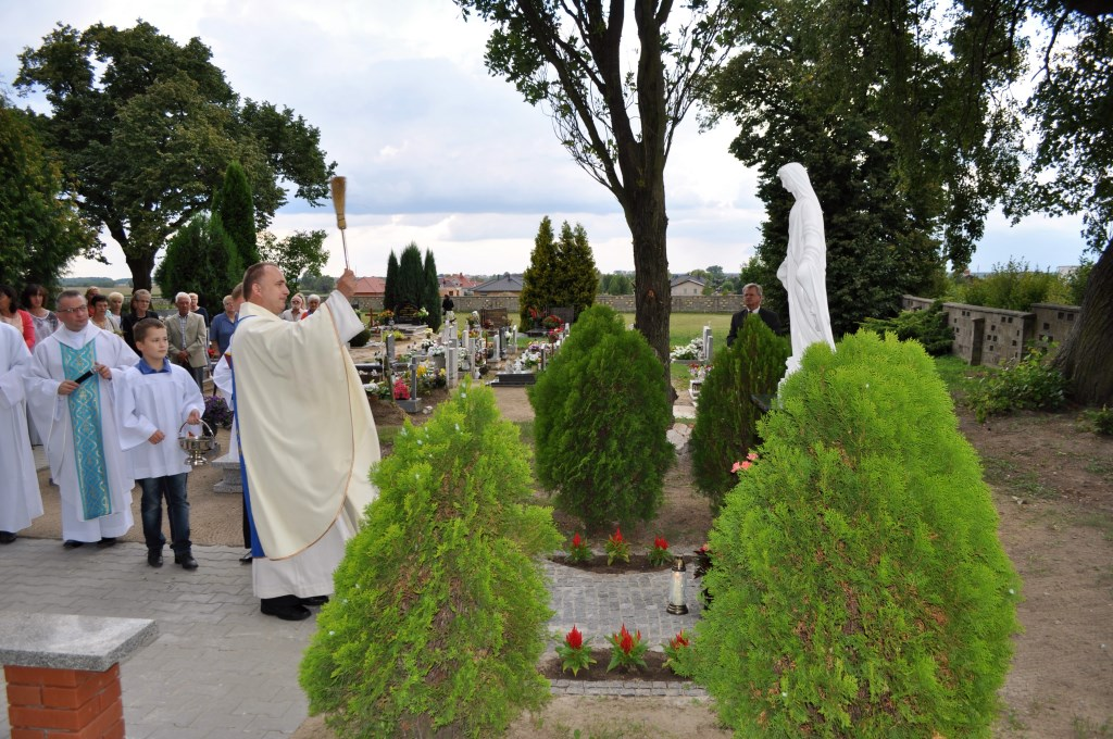 Poświęcenie figury Niepokalanej na cmentarzu – 15 sierpnia 2014
