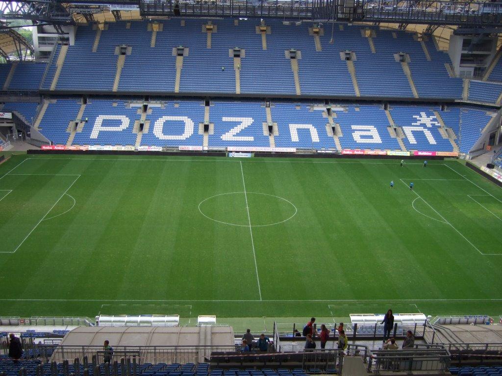 Ministranci na stadionie miejskim w Poznaniu
