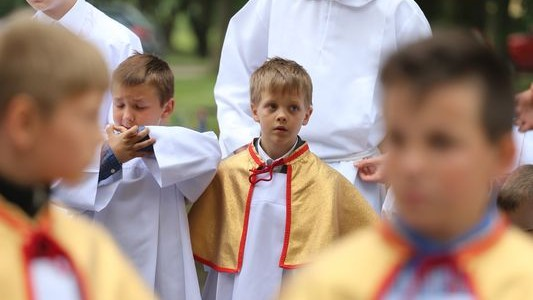 W uroczystość Bożego Ciała, 26 maja 2016, dziękowaliśmy Bogu za Eucharystię, w której pozostał z nami. W bieżącym roku liturgię przygotowali mieszkańcy ul. Poznańskiej i 25 lecia. Ołtarze nawiązywały tematycznie […]