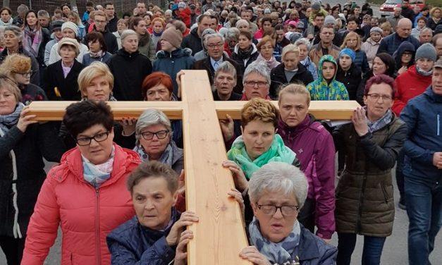 Droga Krzyżowa ulicami – 10 kwietnia 2017